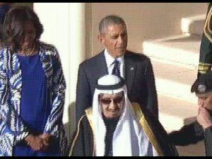 الملك سلمان يترك اوباما لوحده ويذهب لأداء صلاة العصر