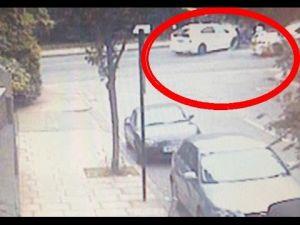 بالفيديو : سيارة أجرة تصطدم بموكب الأمير البريطاني هاري
