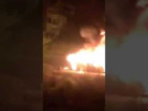 جمهور الوداد البيضاوي يحرق حافلة في الحسيمة