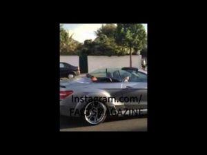 الملك يتجول بسيارة مرسيدس مكشوفة بشوارع تطوان