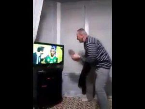 الجزائري الذي أضحك الملايين و أغاض المصريين برقصته المستفزّة