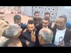 لحظة خروج بطل فيديو الزفت المغشوش من السجن