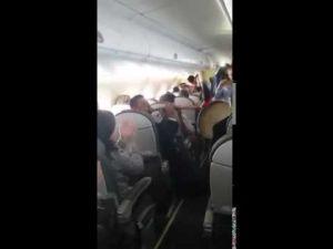 الغيطة و البندير و الزغاريت في طائرة مغربية