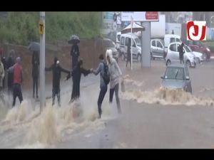 الأمطار تُغرق شوارع الرباط وسلا وتؤثر على حركة السير