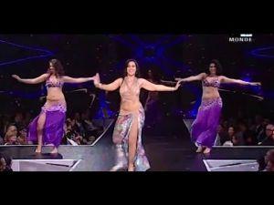 فضيحة بث فقرة من الرقص الشرقي بلباس فاضح على القناة العمومية الثانية