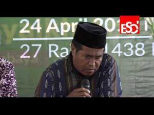 وفاة القارئ الإندونيسي الشيخ جعفر عبدالرحمن أثناء تلاوة سورة الملك