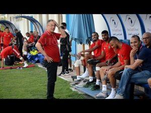في لقطة طريفة.. فوزي لقجع يمازح لاعبي المنتخب المغربي أثناء التداريب - YouTube