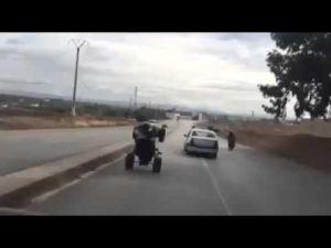 فيديو يوثق سياقة متهورة لشباب بالدراجات النارية والسيارات بين مكناس وبوفكران
