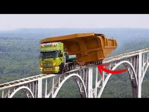 أمهر سائقي الشاحنات في العالم.. لو لم يتم تصويرهم بالكاميرا لما صدقتهم..!!