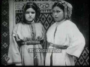 فيديو نادر للحي اليهودي بمكناس سنة 1927 مع موسيقى رائعة