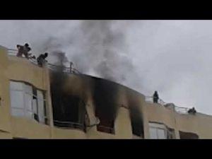 بالفيديو اندلاع حريق مهول  داخل شقة سكنية بويسلان