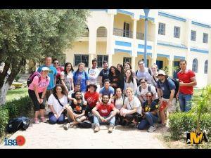 مبادرة شباب مغاربة وأجانب لتهيئة حديقة ومسبح مركز حماية الطفولة بمكناس